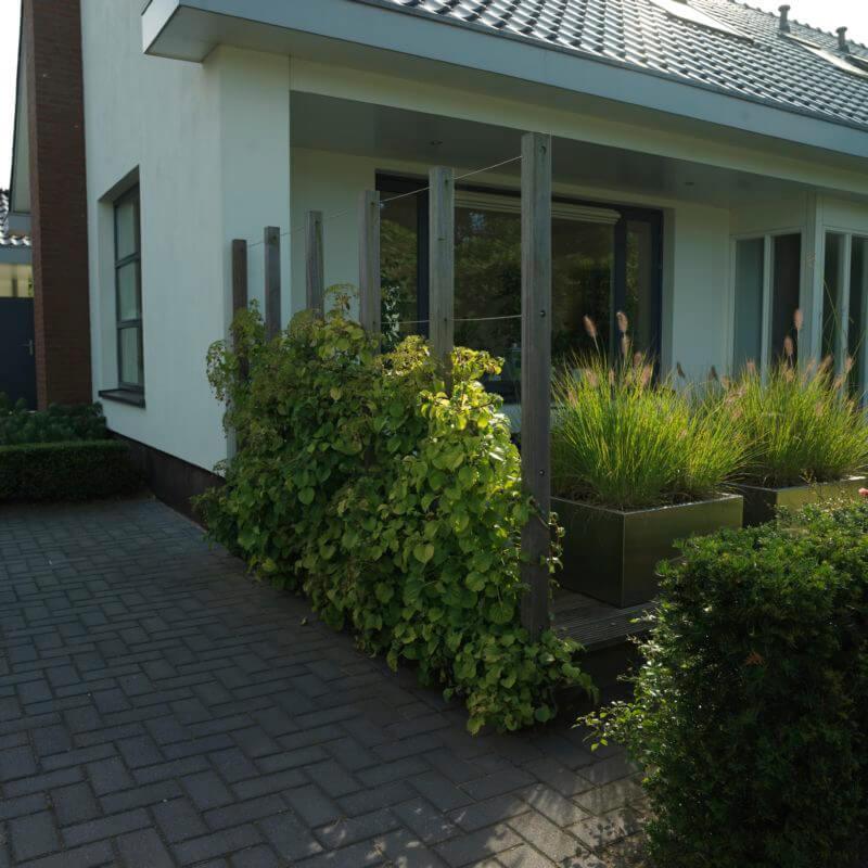 Voorbeeld tuin bestrating aanleggen