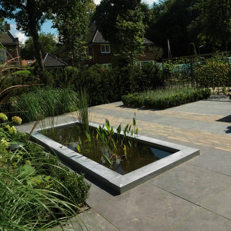 Voorbeeld aanleg tuin met vijver