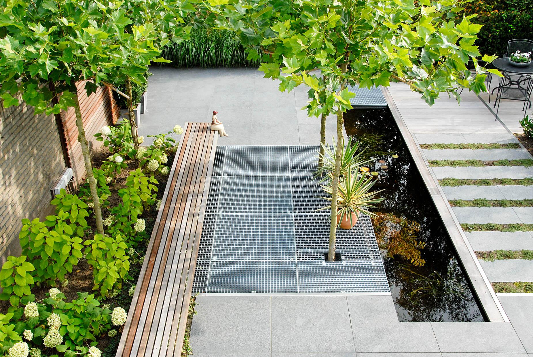 Moderne achtertuin greenart for Moderne tuin