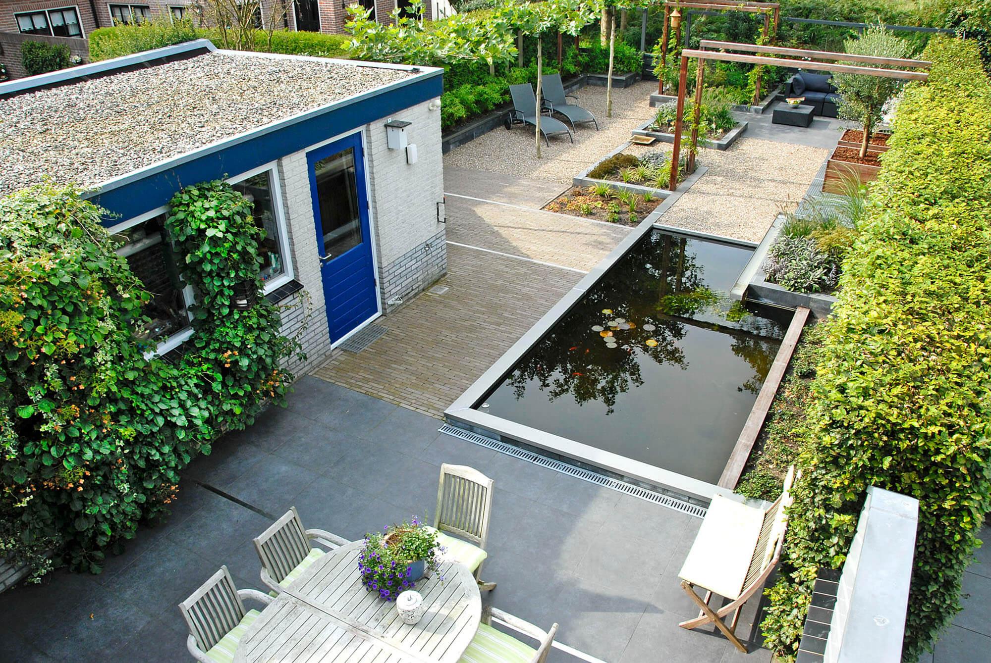 Tuin met grote vijver greenart for Vijverpomp voor grote vijver