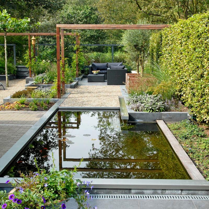 Voorbeeld strakke en moderne tuin laten doen